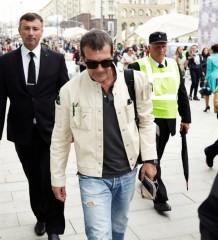 Antonio Banderas in Moscow by Denys Karlinskyy (1)